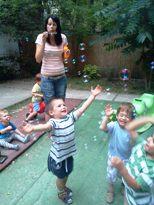 Buborékfújás a családi bölcsiben