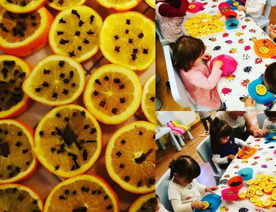 Szegfűszeges narancsok készülnek a családi bölcsiben