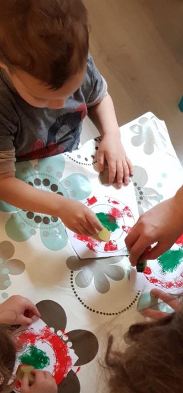Kreatív foglalkozás a családi bölcsiben
