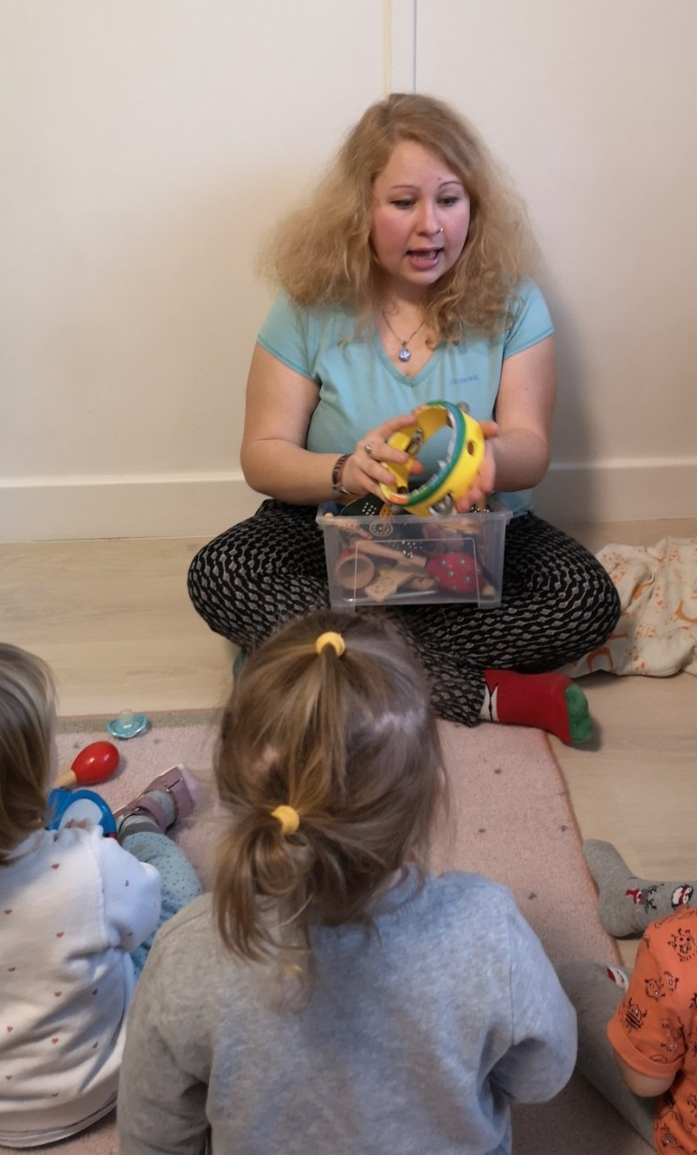 Zenés játék a családi bölcsiben
